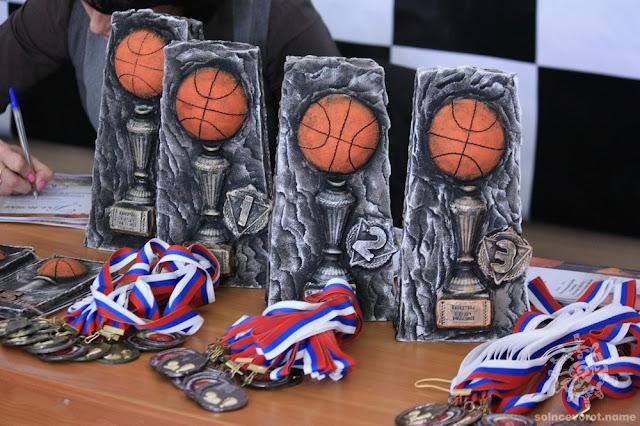Кубки для турнира по баскетболу в честь 45-летя ДЮСШ Углича