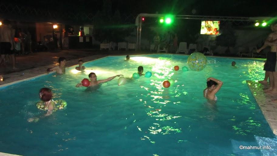 Pool Party la Island Club