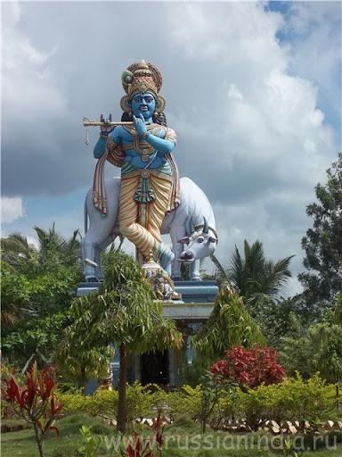 Большая статуя: Кришна