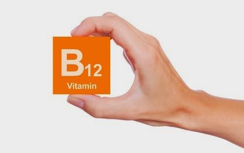 Run-chan-tay-do-thieu-Vitamin-b12