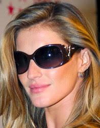 Gisele Bundchen com óculos de sol