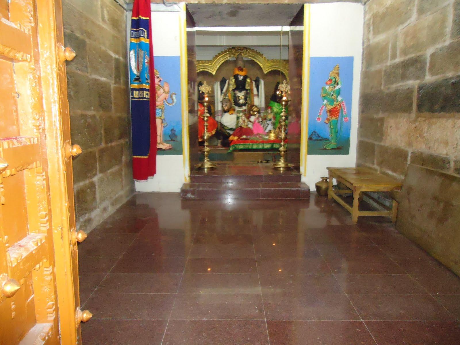 Sri Neelamega Perumal Temple, (Thanjaimamani), Thanjavur - Divya Desam 19