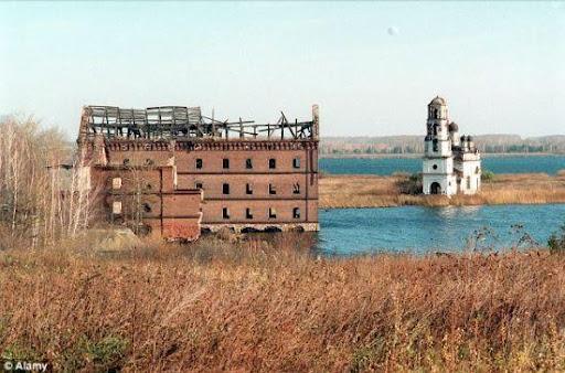 1957年瑪雅克生產協會的核廢料儲存桶爆炸後留下的廢墟