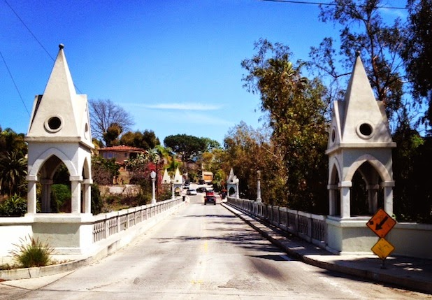 Los Feliz, Shakespeare Bridge