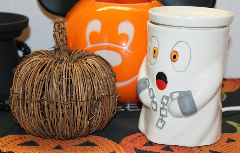 Easy Halloween Decoration Ideas: Seasonal Pumpkins, Ghost Wax Warmer