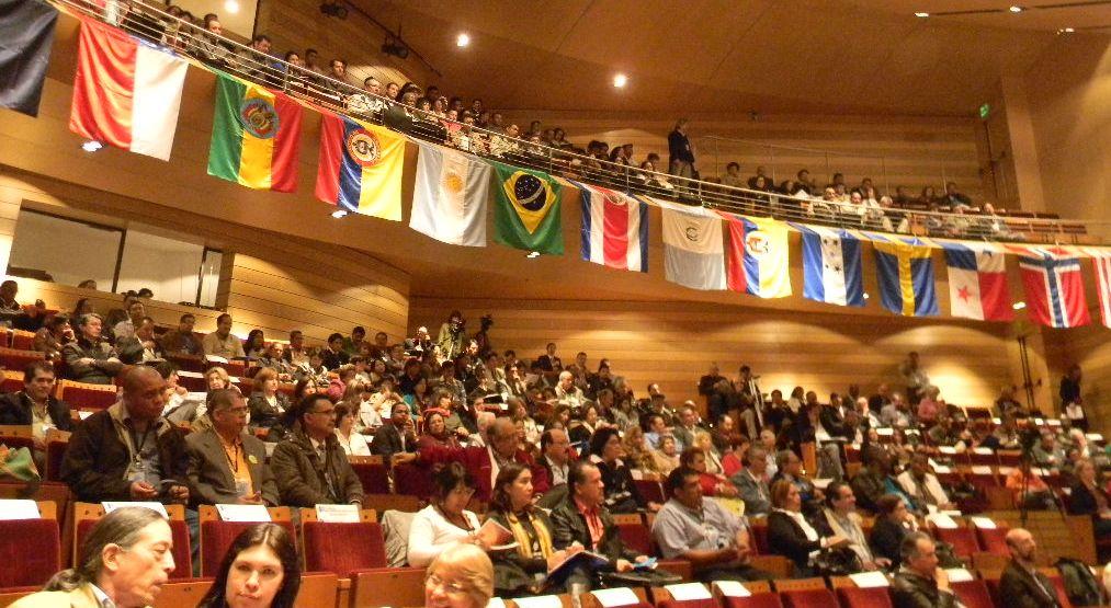 Parte de las y los participantes del Encuentro