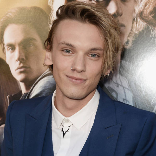 Jamie-Campbell-Bower-attend-premiere-Scr
