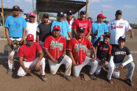 Equipo Cerveceros del torneo de softbol del Club Sertoma