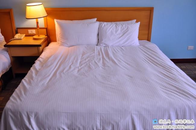 墾丁福華渡假飯店加大型的雙人床