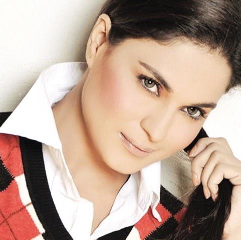 Veena Malik (Sexy Lesbo)
