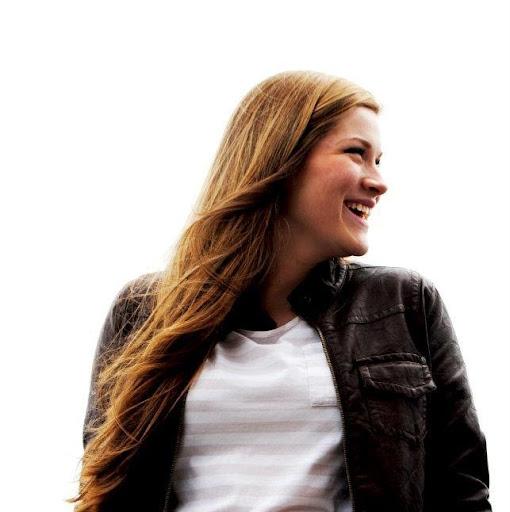 Paige Hoffman Photo 12
