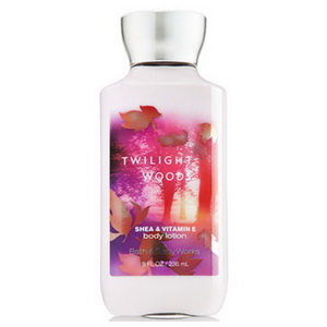 Sữa dưỡng thể Bath and body works Twilight wood Lotion của Mỹ