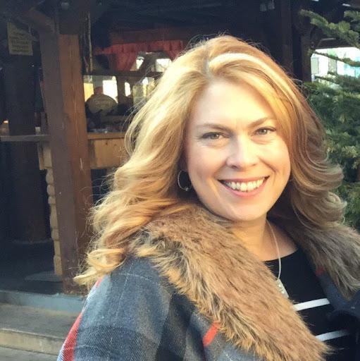 Julie Johnston Photo 35