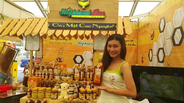 Giới thiệu mật ong, sữa ong chúa Highland Bee
