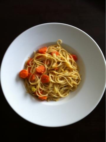 Nudel mit Fenchel, Karotten und Fetakäse