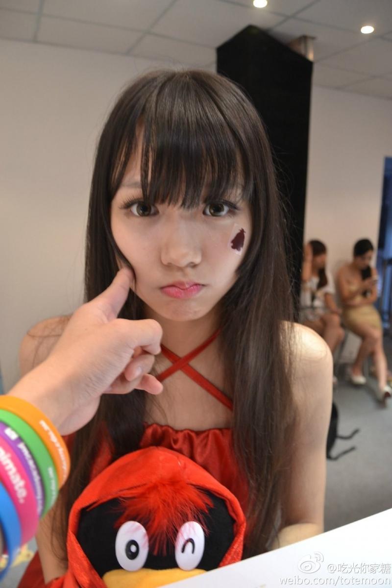 Sờ tận tay các showgirl tại ChinaJoy 2013 - Ảnh 9