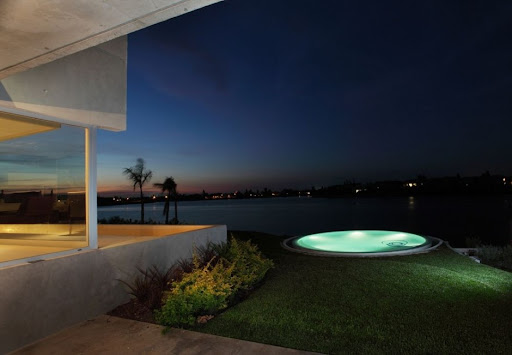 Casa Del Cabo by Andrés Remy Arquitectos