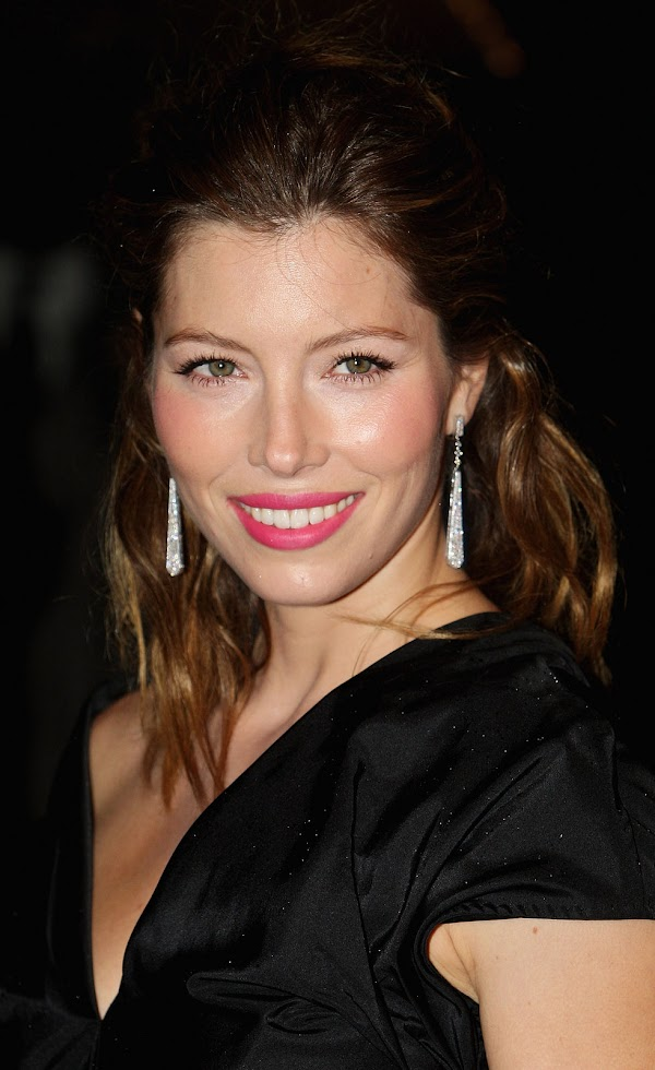 "Jessica Biel â€"" ""Easy Virtue"" Premiere in London(celebrities-15photos)15"