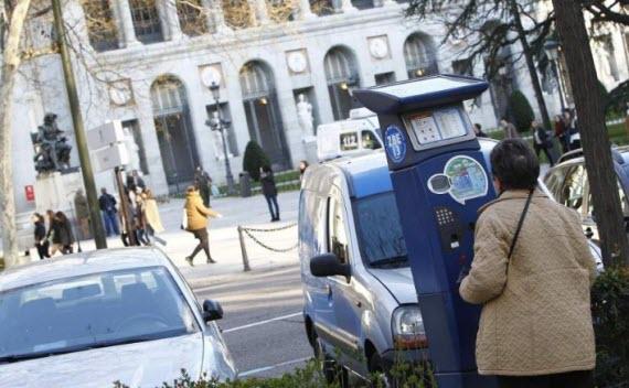 Las aplicaciones móviles para pagar los parquímetros de Madrid