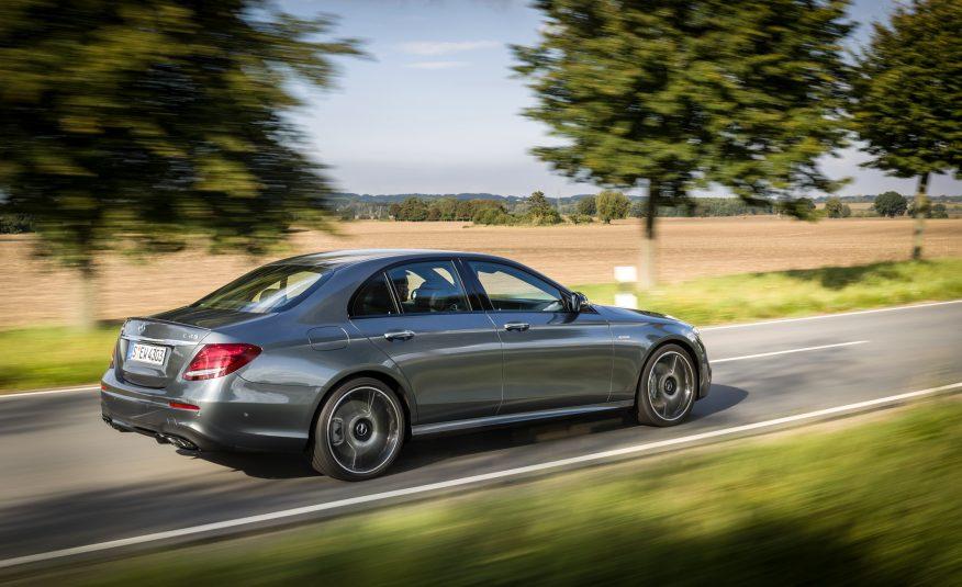 Mercedes AMG E43 là phiên bản hiệu suất cao gần ngang ngửa E63 AMG