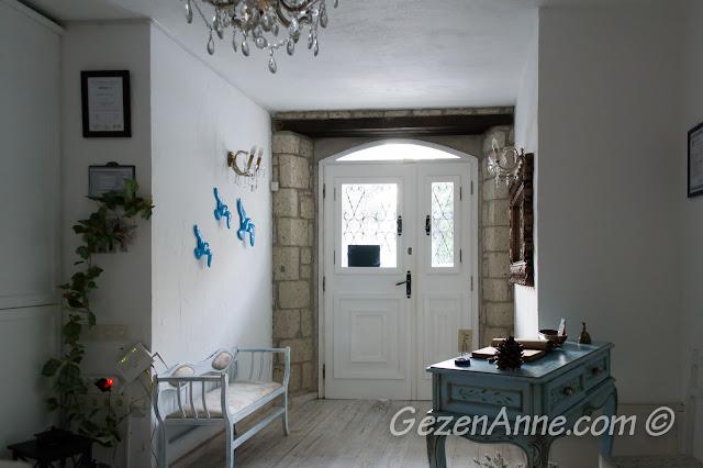otel girişi, Asma Han butik otel İzmir