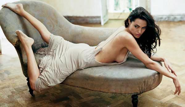 Angelina Jolie, en la cama