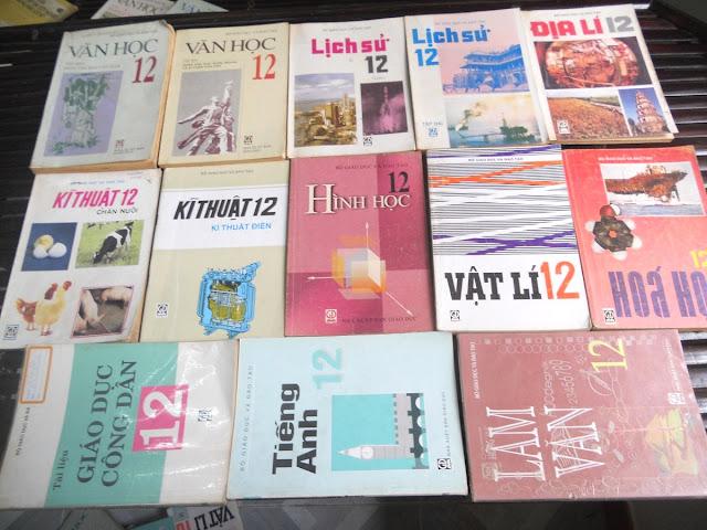Sách giáo khoa tiểu học cũ - nơi lưu giữ từng trang ký ức DSCN2742