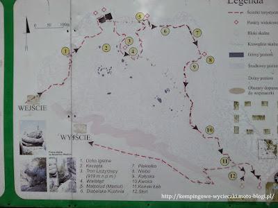 na zdjęciu informacje o skałkach na Szczelińcu Wielkim