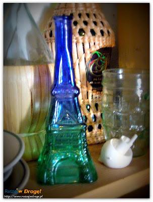 wódka wieża eiffla w muzeum pijaństwa w gołębiu