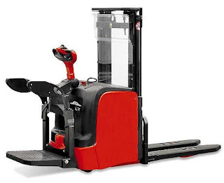 Linde stacker 0909648178