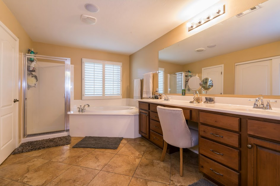 Master bathroom for Home for Sale in Phoenix