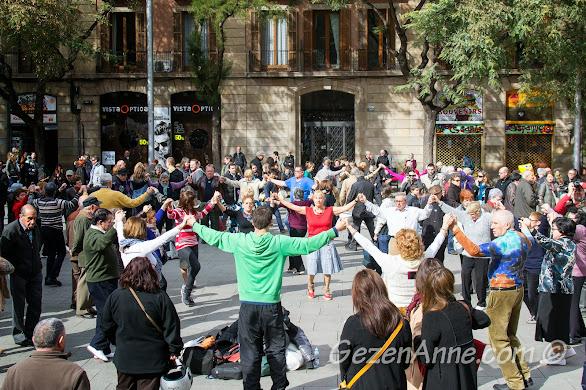 dans edip Santa Eulalia Festivali'ni kutlayanlar, Barselona