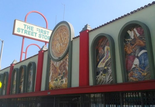 Artists and school reach agreement to preserve east l a for Artist mural contract
