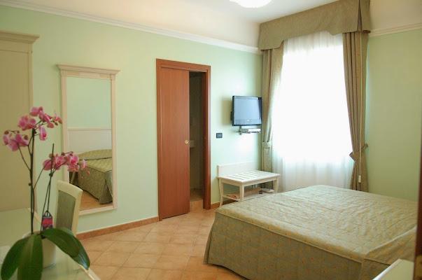 Hotel Aquila, Via Leonardo da Vinci, 5, 41013 Castelfranco Emilia MO, Italy