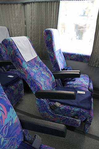 西武観光バス「Lions Express」 1644 シート その2