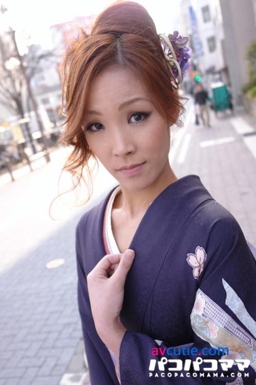 Pacopacomama.070111_404.Akemi.Ishii