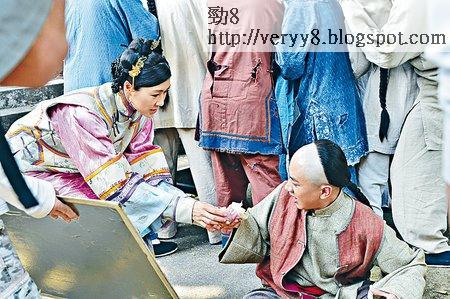 《食為奴》昨日拍攝一場胡定欣送餅給祖藍而一見鍾情的戲。
