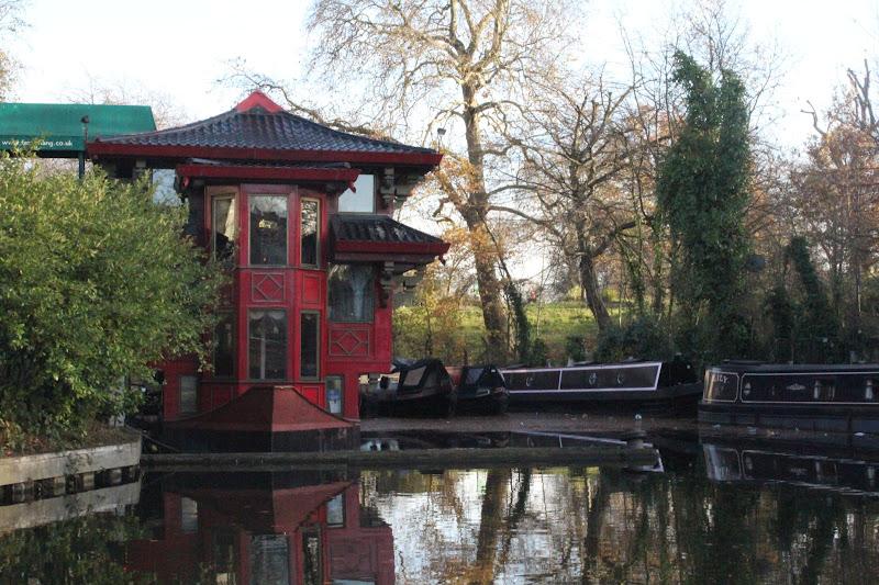 Pagoda al canal de Londres