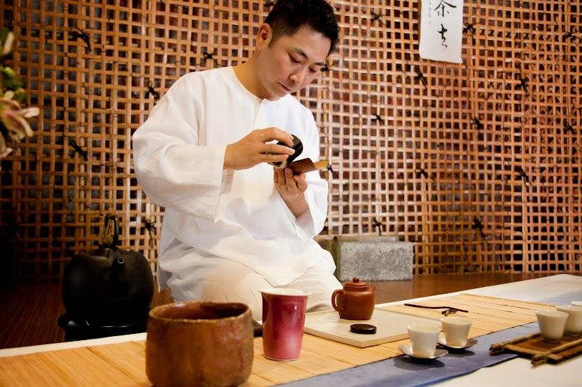 樹火一日茶主人體驗:飲茶、奉茶、現做手工茶紙