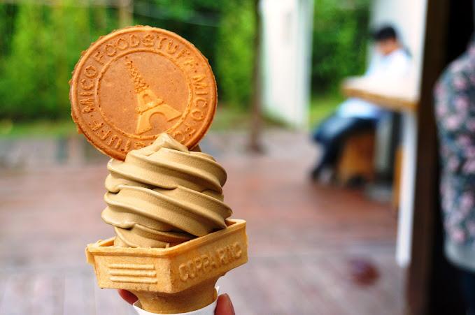 台南美食推薦【蜷尾家 樹屋店】安平區限定日月潭紅茶霜淇淋