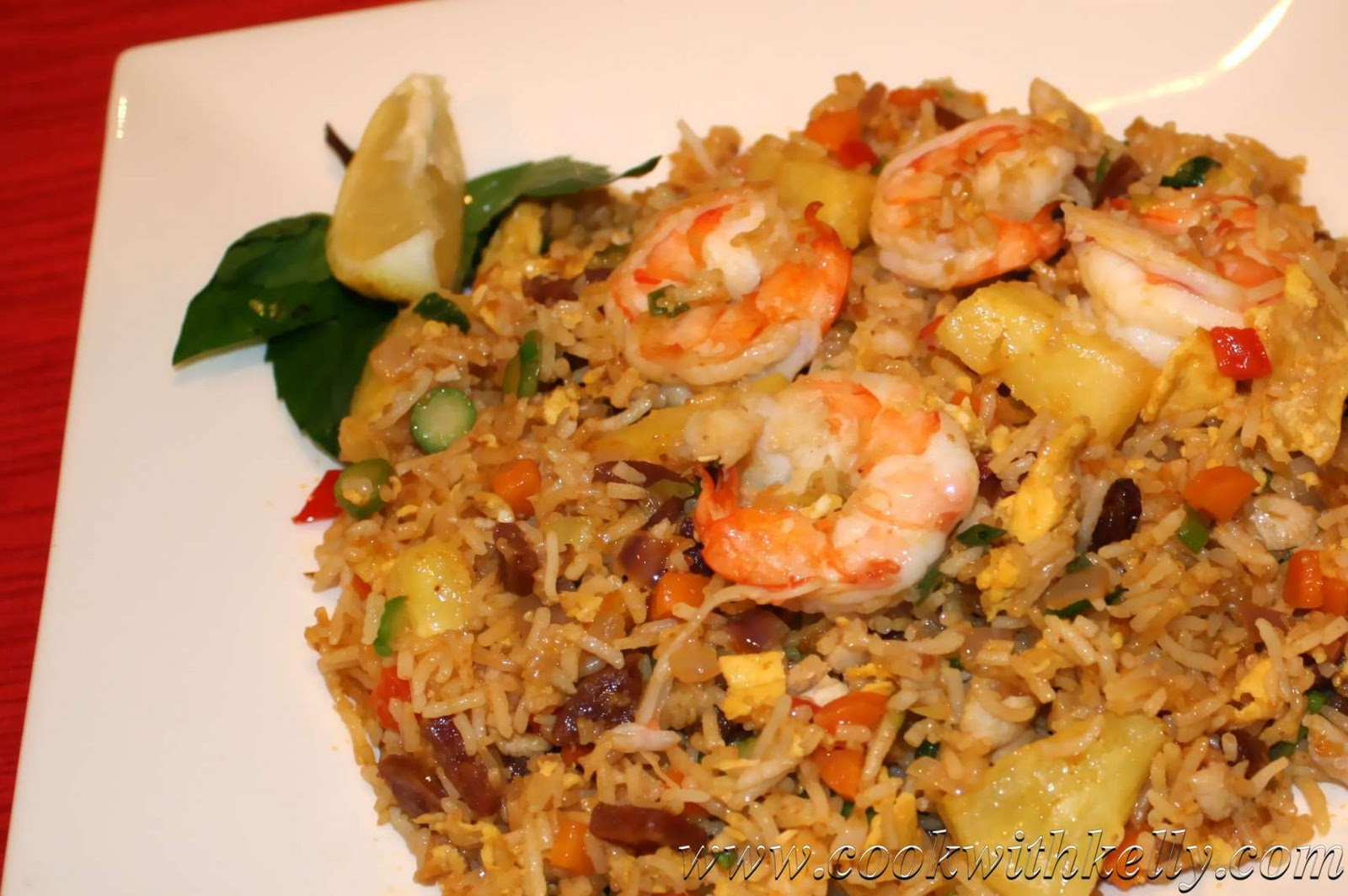 how to cook indonesia prawns with pineapple