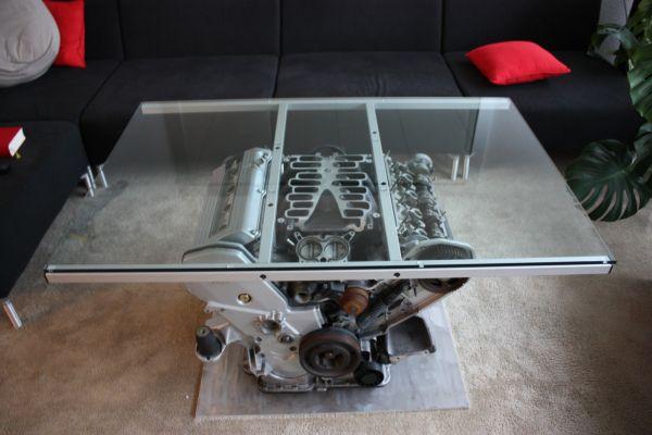 Стол V8
