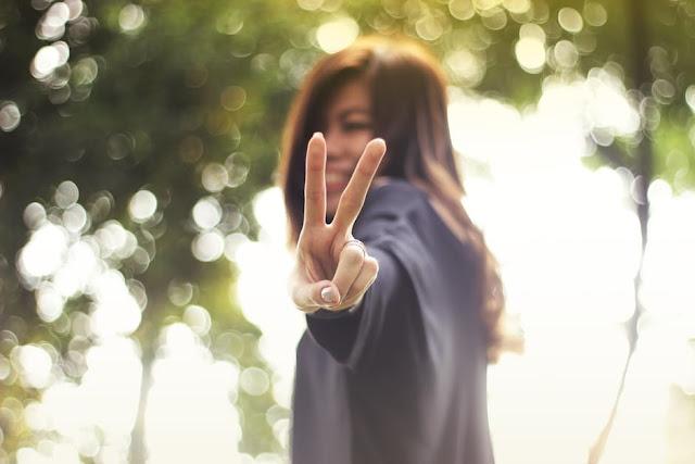 song vui ve hanh phuc Muốn sống hạnh phúc thanh thản thì hãy ghi nhớ 10 điều này