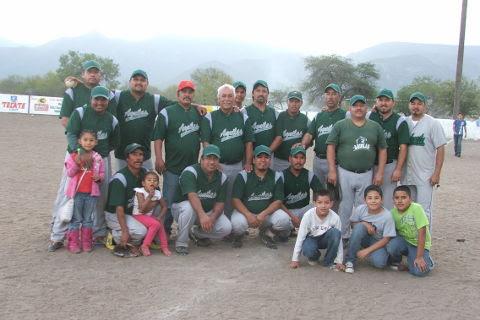 Equipo Águilas del softbol del Club Sertoma