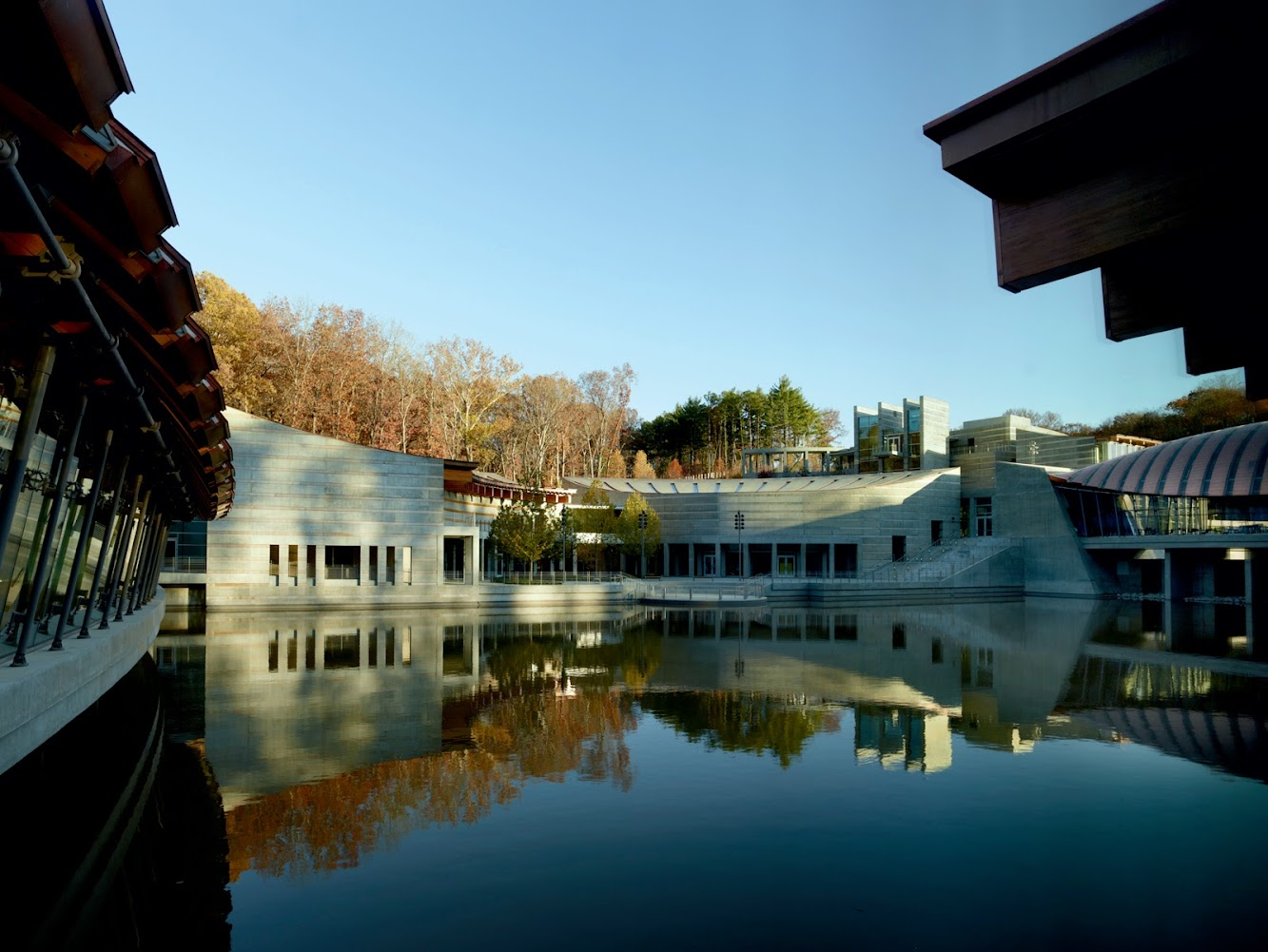Bentonville, Arkansas, Stati Uniti d'America: Crystal Bridges Museum of American Art by Safdie Architects