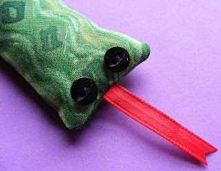 Snake Toy - free sewing pattern