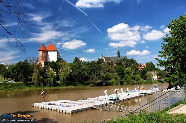 zamek w Sandomierzu znad Wisły