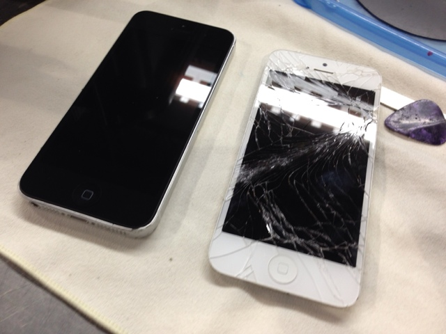 iphone screen goes black iphone 5 repair mission bc 15423