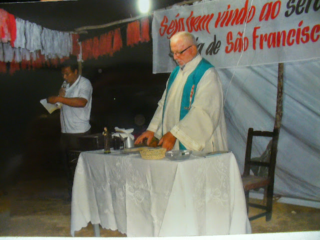 Celebrazione in un villaggio della Parrocchia