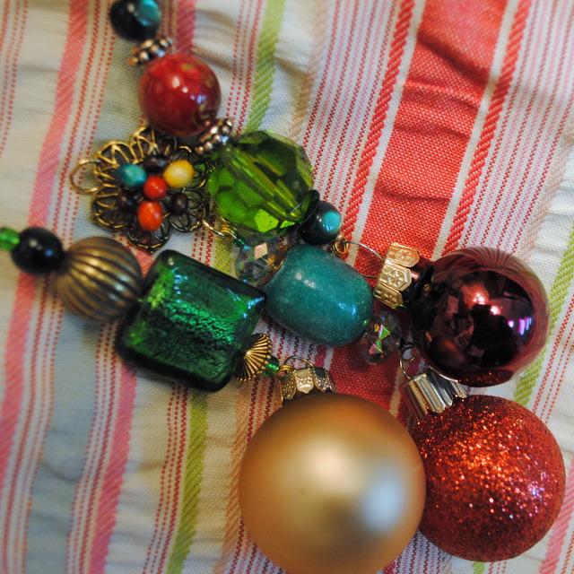 Yuletide Trimmings Christmas Ornaments